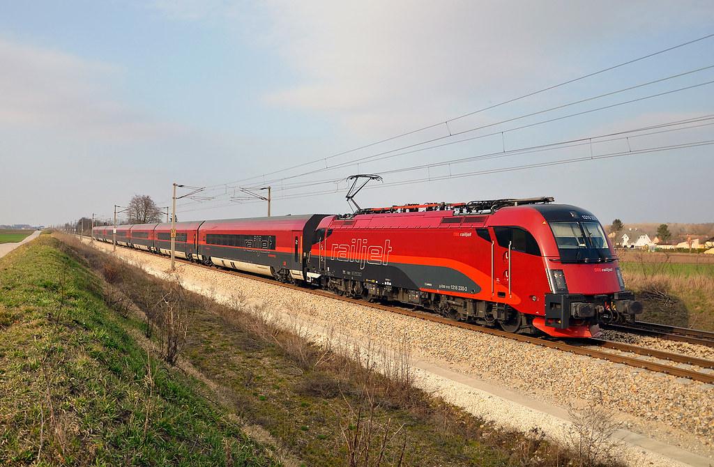 Red Railjet