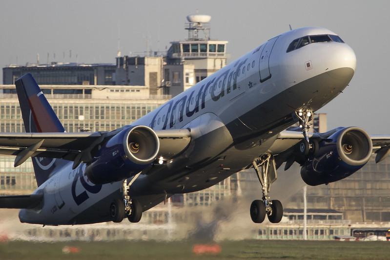 Airbus A320-232 – Onur Air – TC-OBO – Brussels Airport (BRU EBBR) – 2012 05 26 – Takeoff RWY 07R – 01 – Copyright © 2012 Ivan Coninx