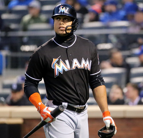 Giancarlo Stanton: Giancarlo Stanton Walks Back To The Dugout