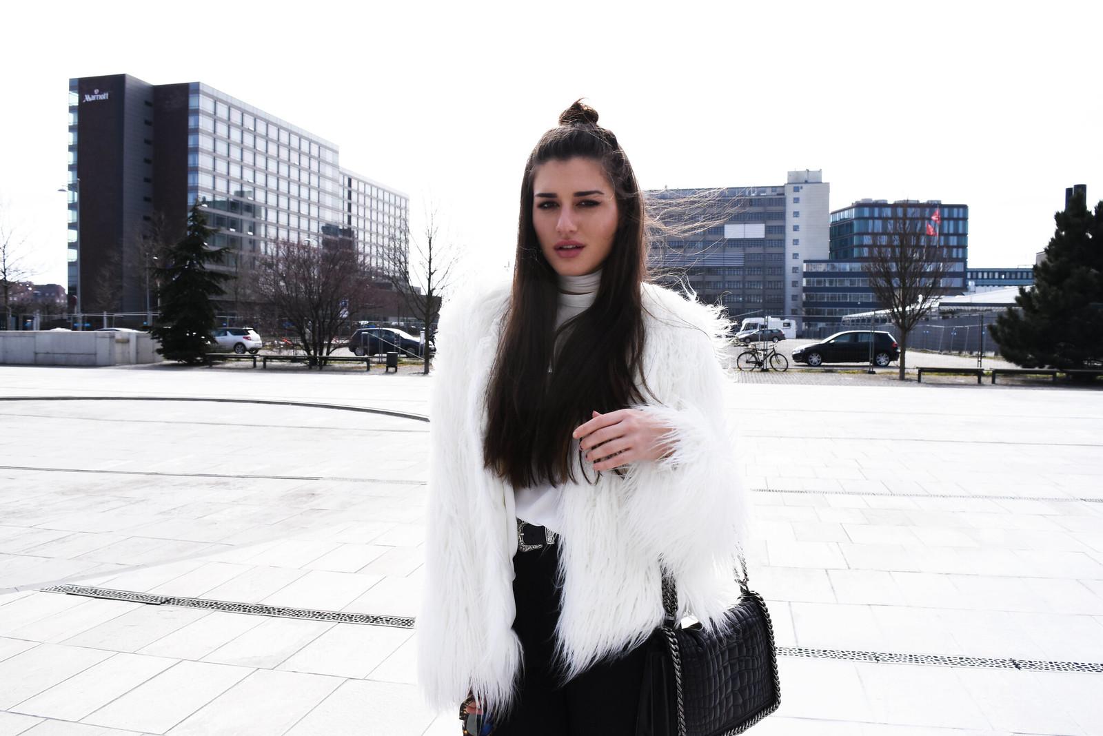 white fur3