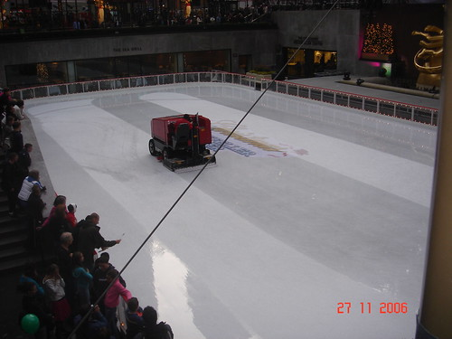 rink cleaning machine
