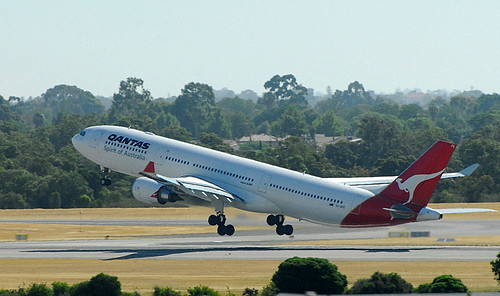 Qantas A330 | by planegeezer