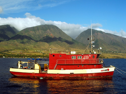 Red Boat in Maui | by RUKnight