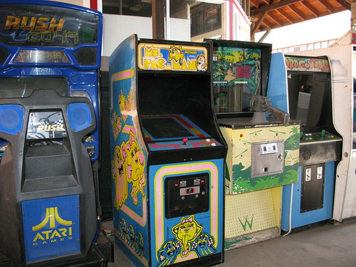 Old Video Games at the Manitou Arcade | by ilovemypit