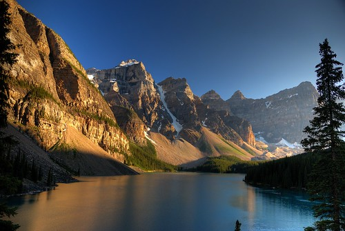 Sunset on Moraine Lake | by aribix