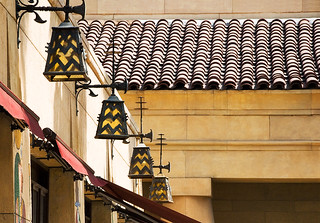 lanterns, Grauman's Egyptian Theater (1922), 6712 Hollywood Boulevard, Hollywood, California | by lumierefl