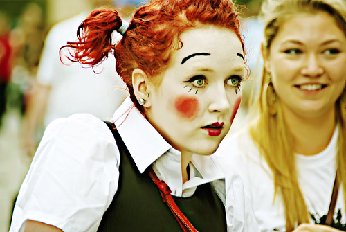 Girl at Edinburgh Fringe Festival | by mariocutroneo