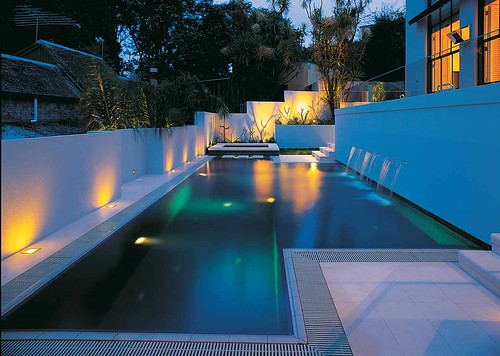 Natural habitats landscapes residential swimming pool for Swimming pool design new zealand