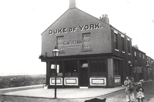 033866:Duke of York St Lawrence Road Newcastle Breweries 1920