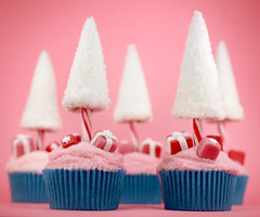 Candy Cane Christmas Tree Cupcakes | by Bakerella
