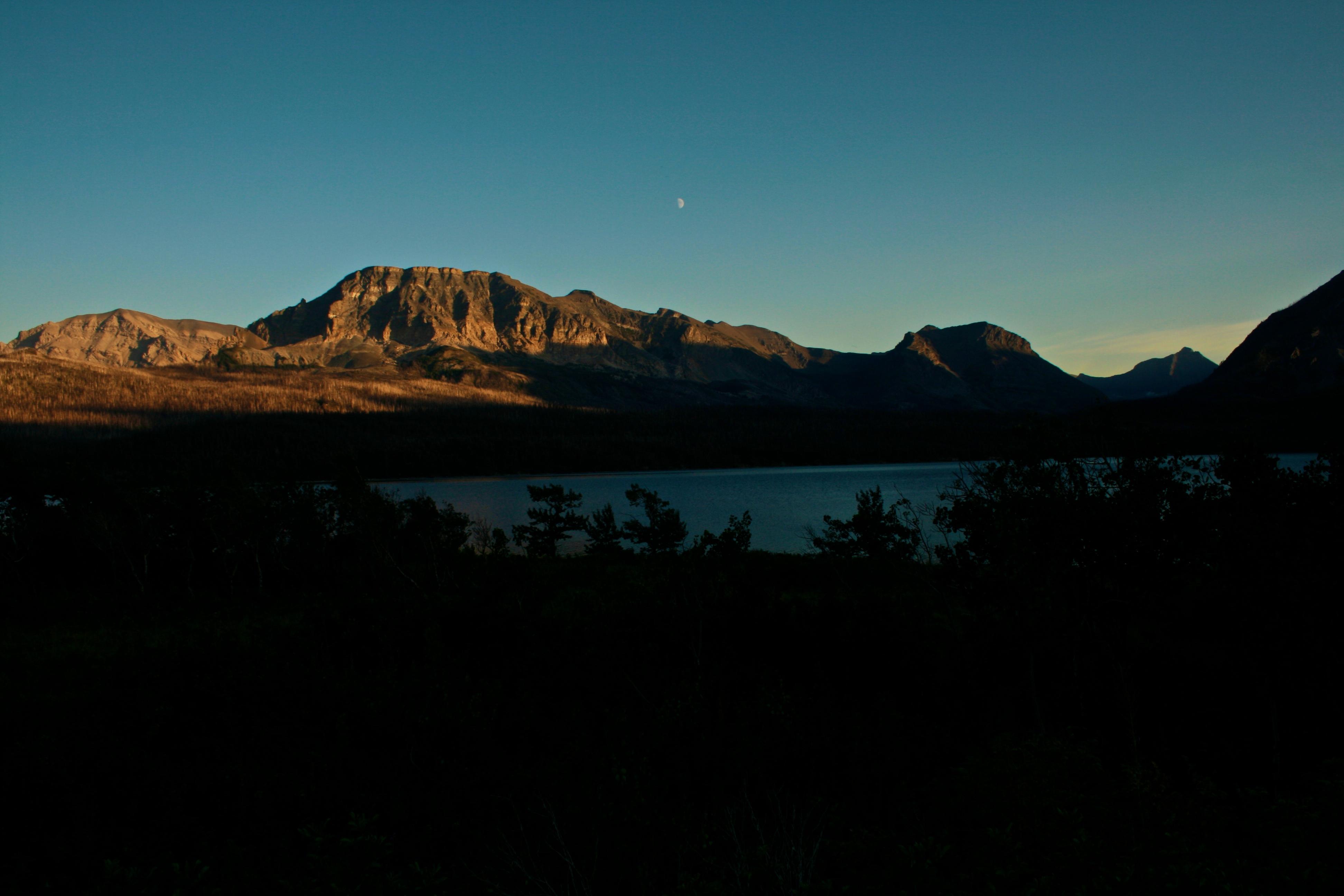 sun set and moon rise