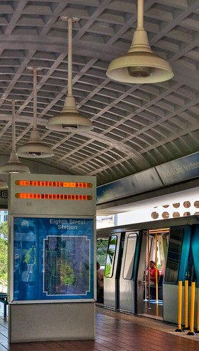 8th Street Metromover Station | by Exploratus