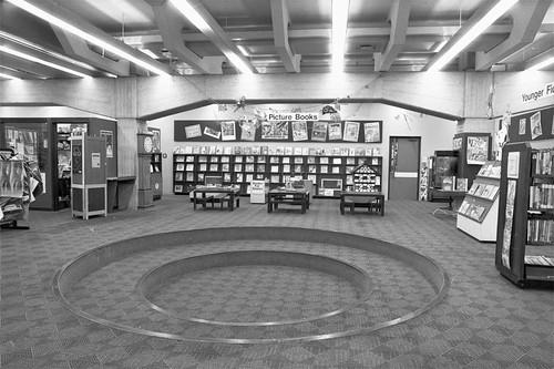 Storytelling pit, Children's Library