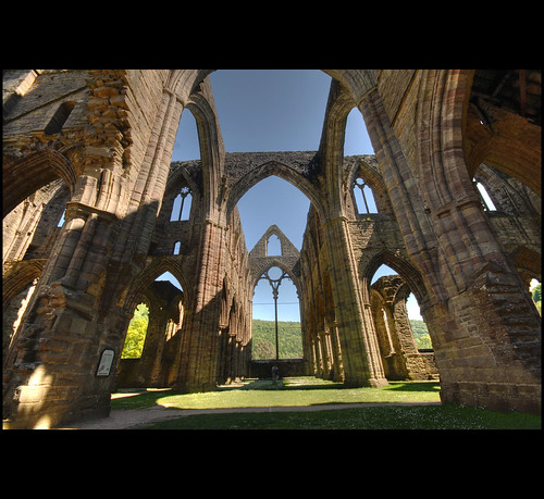 Tintern Abbey | by BoblyP