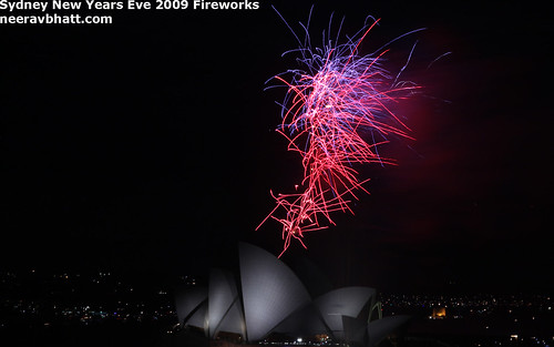Wallpaper - Sydney Harbour Midnight New Years Eve 2009 Fireworks