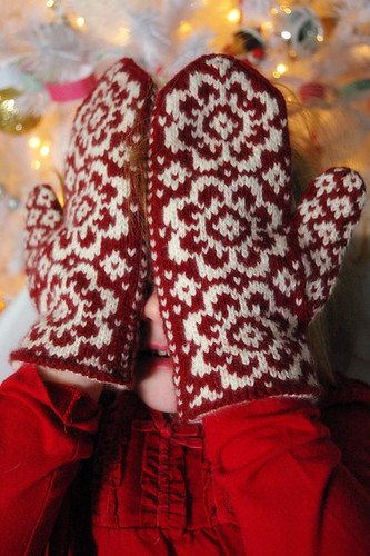 End of May Mittens   Pattern: End of May Mittens designed ...