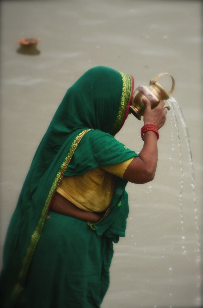 Pouring Offerings & Prayers To Mother Ganga, Varanasi