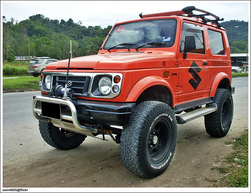Orange Suzuki Jimny Sierra Sport Suzuki series JB32? | by sam4605