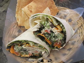 Mediterraneo Wrap | by veganbackpacker