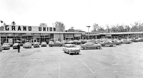 delaware shopping plaza late 1950s/early 1960s  delmar albany ny