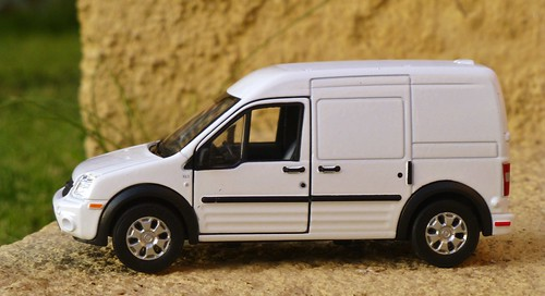 Welly 1:34 - 1:39 Ford Transit Connect
