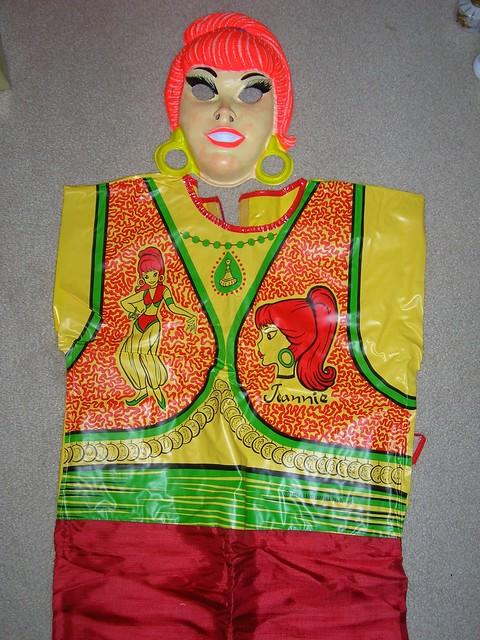hb_jeannie_costume