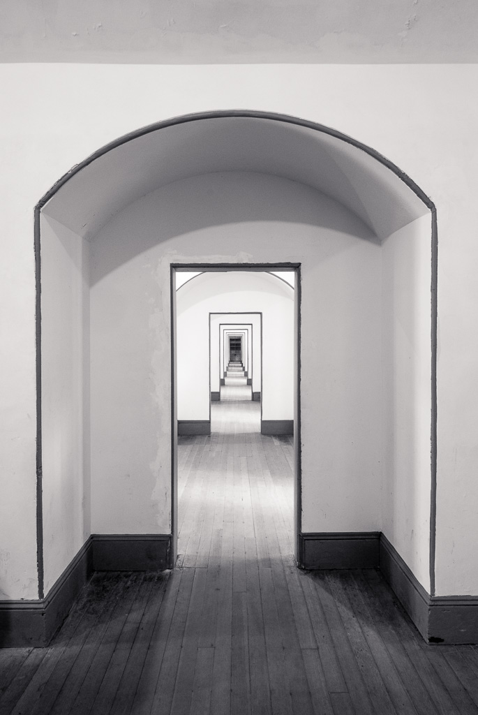 20140615_Fort_Point_hallway