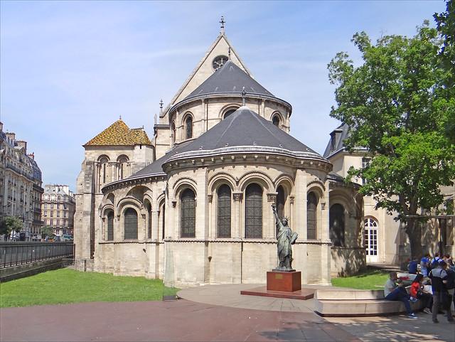 Музей искусств и ремёсел. L'ancienne église de Saint-Martin-des-Champs (musée des arts et métiers, Paris)