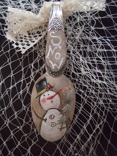 Hand Painted Primitive snowman | by lauriescharmingdesigns