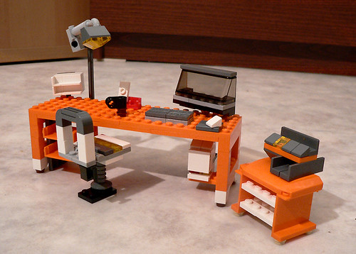 LEGO 7991 alternate MOC: Office Desk | by eτi