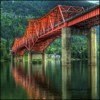 Bridge to Nelson | by ecstaticist - evanleeson.com