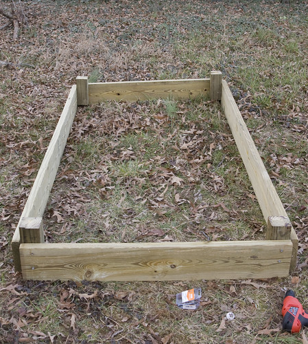 Filling A Tall Raised Garden Bed