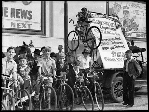 Malvern Star Bicycle Competition, Stanmore Theatre (taken for Acme Theatres), 4 May 1946, by Sam Hood