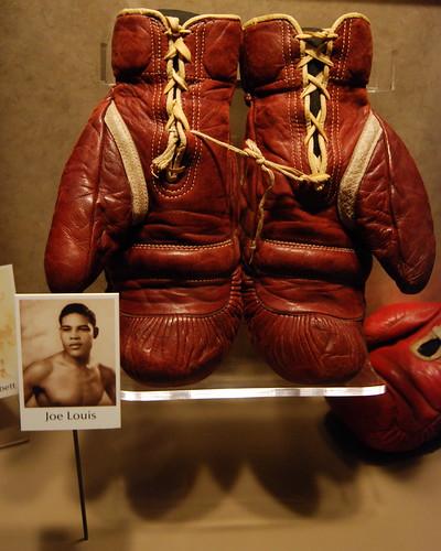 Brown Bomber S Gloves Boxing Gloves Belonging To Joe