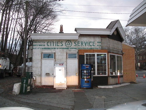 cities service gas station sign greenwich ct flickr photo sharing. Black Bedroom Furniture Sets. Home Design Ideas
