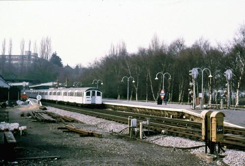 265-06 Northern Line, High Barnet