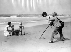 Strandfotograaf / Beach Photographer | by Nationaal Archief