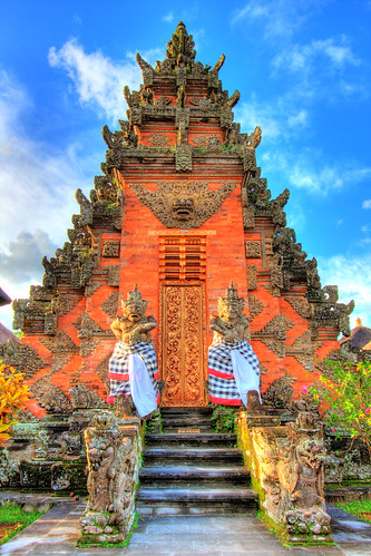 Balinese temple this is known as the kori agung which for Agung decoration
