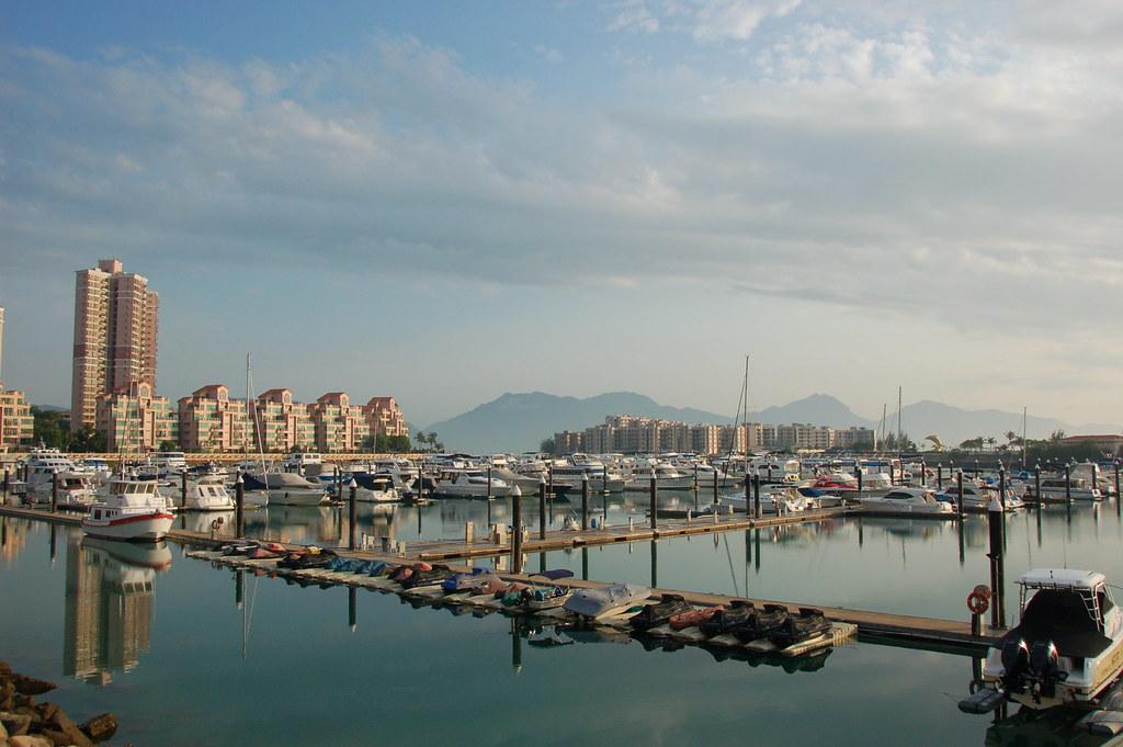 "Gold Coat Marina, Hong Kong. Image: <a title=""Tim Lam Flickr CC"" href=""https://www.flickr.com/photos/timlam18/3448750703/in/photolist-6fKKr2-jRQLy8-qeaQ4K-c7fhtW-FVn4A-jRQPuD-c7fih1-sbojMP-8EVgXh-hoQtwm-qE5emT-87NXd4-6cV9WF-qrkqrG-ar9NgM-CqDTY-bNbTNx-6cZhV3-8cnvRP-6Vokiz-9tDrYk-5F3WtC-4nwDd3-9Vv9Q1-ar9MLg-4mEnXT-6cZhXN-cxQBWs-eaRBTk-2fVNpX-eaXeJu-aratbg-2fVJPD-5JXNRK-8ZWh7r-2fVvzv-5pKHc3-2fWhHp-6cV9U4-8ZZnem-2g1gyS-8ZZmXm-8ZZeYf-aratik-5F3W4m-5F3WnU-5F3Wjh-2g1cMA-8ZZmfJ-3Kzyho"" target=""_blank"">Tim Lam</a> <a title=""Creative Commons"" href=""https://creativecommons.org/licenses/by-nc-nd/2.0/legalcode"" target=""_blank"">CC</a>"