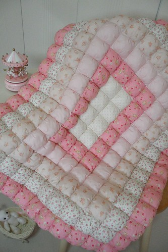 Free Pattern For Baby Puff Quilt : Biscuit Quilt For Baby All Lecien Fabrics. Felicia Flickr