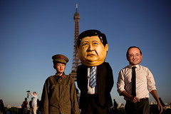 The red guard, Xi Jinping and François Hollande