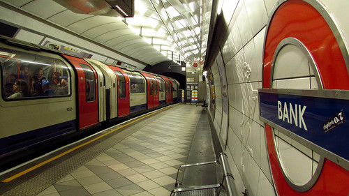 London Underground - Central Line - 1992 Stock at Bank