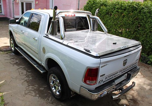 White bed covers - Aluminum Truck Bed Cover On Ram Pickup By Diamondback Truck Covers