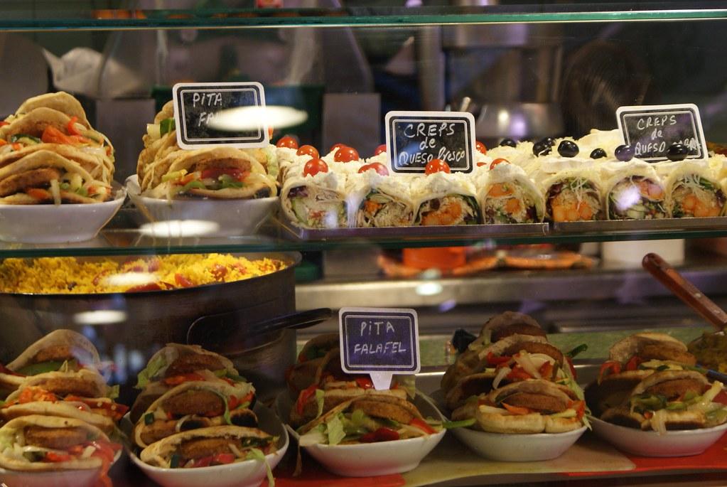 Le coin à bon snack dans le fond de la Boqueria à Barcelone.