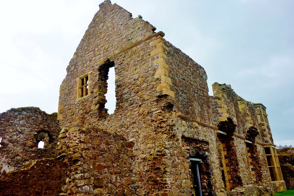 Jacobean Mansion, Dunluce Castle, ireland