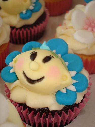 Fifi cupcakes   by Angelina Cupcake