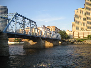 Grand Rapids Blue Bridge | by Swayze4
