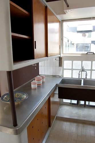 Atelier appartement de le corbusier kitchen le corbusie flickr - Appartement le corbusier ...