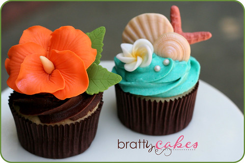 Hawaiian Wedding Cupcakes | by Natty-Cakes (Natalie)