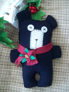 Primitive Holiday Bear | by LookHappyShop